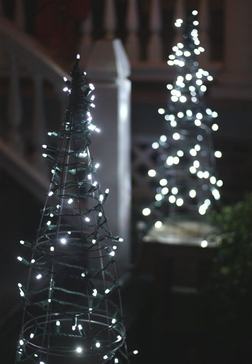 20 outdoor christmas light decoration ideas outside christmas 20 outdoor christmas light decoration ideas outside christmas lights display pictures solutioingenieria Choice Image