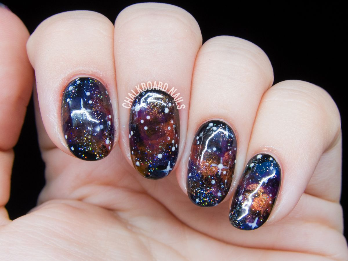 20+ Glitter Nail Art Ideas - Tutorials for Glitter Nail Designs