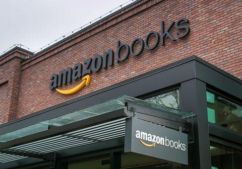 Amazon-bookstore-in-Seattle