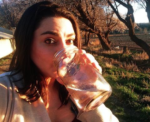 Sunlight, Summer, People in nature, Light, Drinking, Beauty, Brown hair, Backlighting, Selfie, Liquid bubble,
