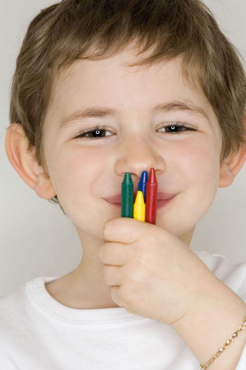 """Výsledok vyhľadávania obrázkov pre dopyt boy crayons nose"""""""
