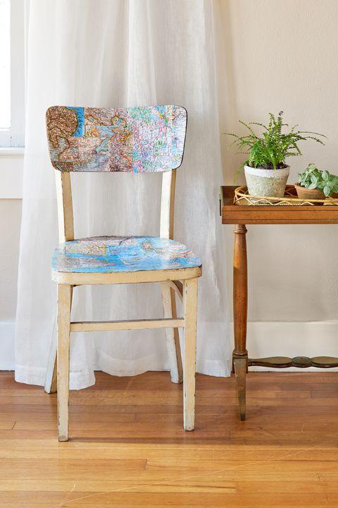 Wood, Flowerpot, Floor, Flooring, Hardwood, Wood flooring, Laminate flooring, Wood stain, Houseplant, Chair,
