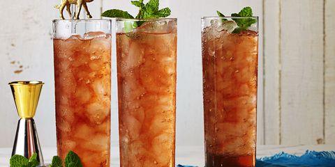 Summer Party Peach Sweet Tea with Bourbon Recipe