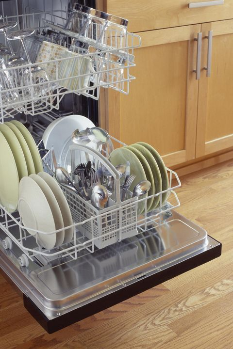 Dishwasher, Dish rack, Major appliance, Kitchen appliance, Home appliance,