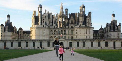 Architecture, Facade, Tourism, Building, Landmark, Castle, Medieval architecture, Palace, Château, Stately home,