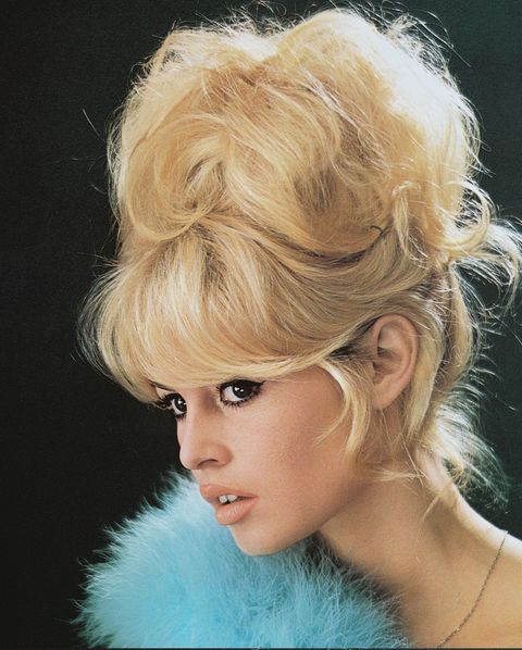 <p>Unlike the neat, polished updos of years prior, women opted for messier, imperfect styles to achieve a sexy look.</p>