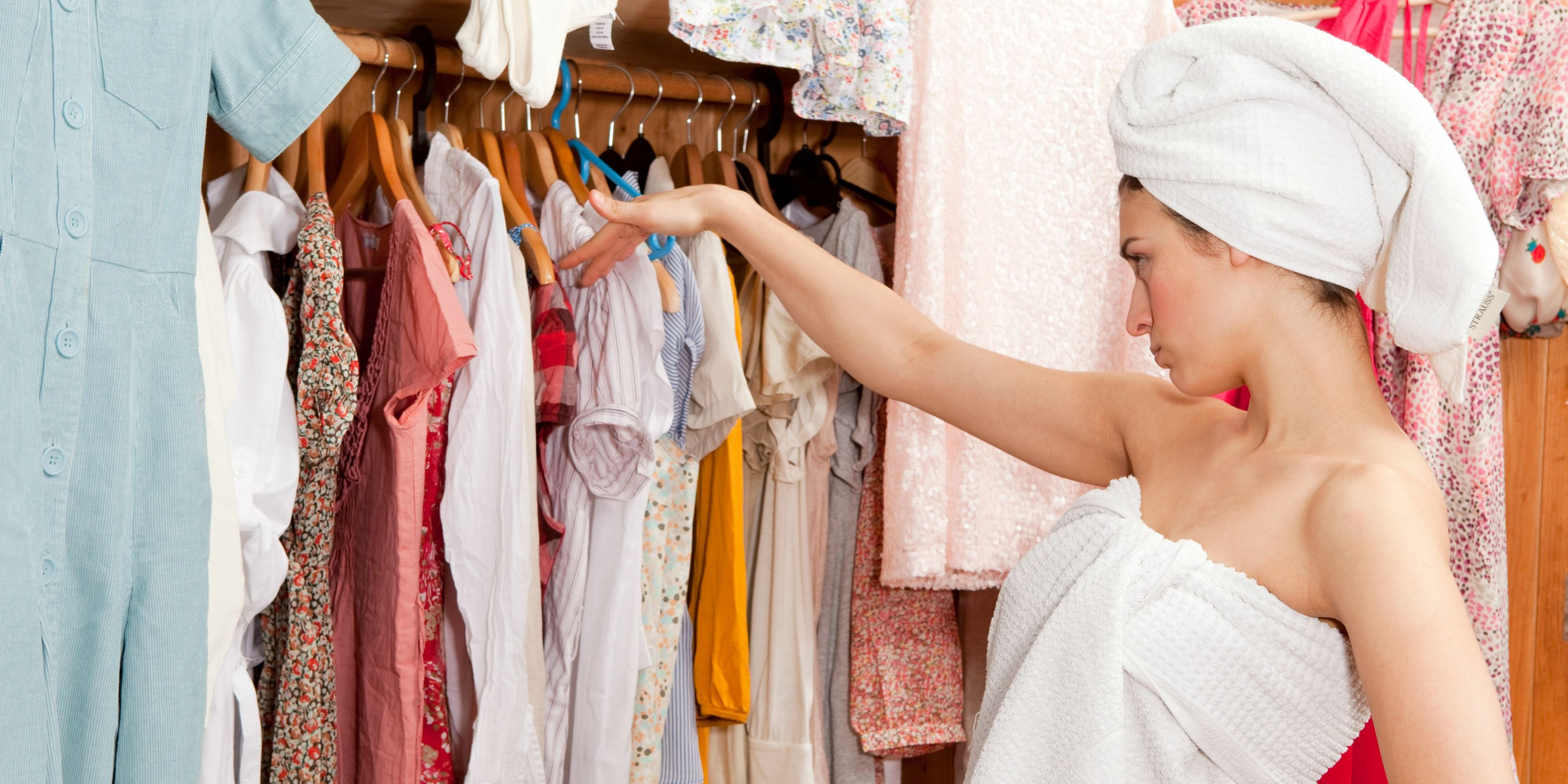 Trouble Deciding What to Wear — Thoughts Every Woman Has While Look at Her  Closet