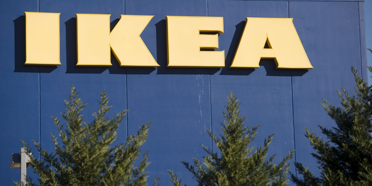 IKEA Glass Cabinet Explodes Near Baby - Glass Cabinet From IKEA Dangers