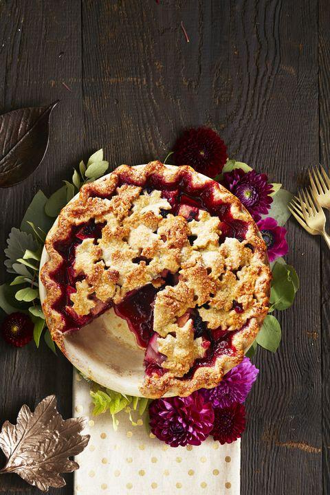 harvest pear-blackberry pie / thanksgiving desserts