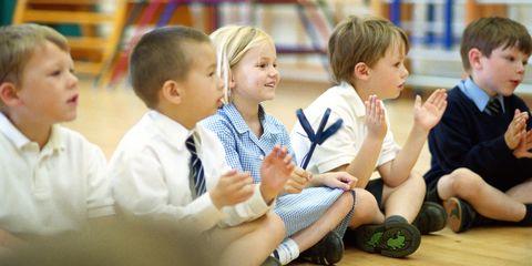 australian elementary school bans clapping
