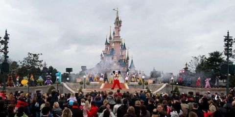 People, Crowd, Tourism, Walt disney world, World, Public event, Audience, Tourist attraction, Festival, Tradition,