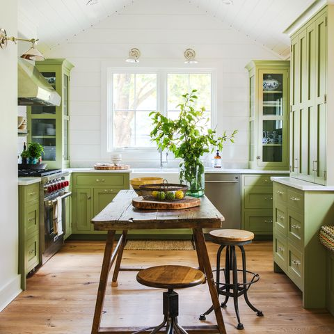13 Huge Mistakes to Avoid When Painting Kitchen Cabinets
