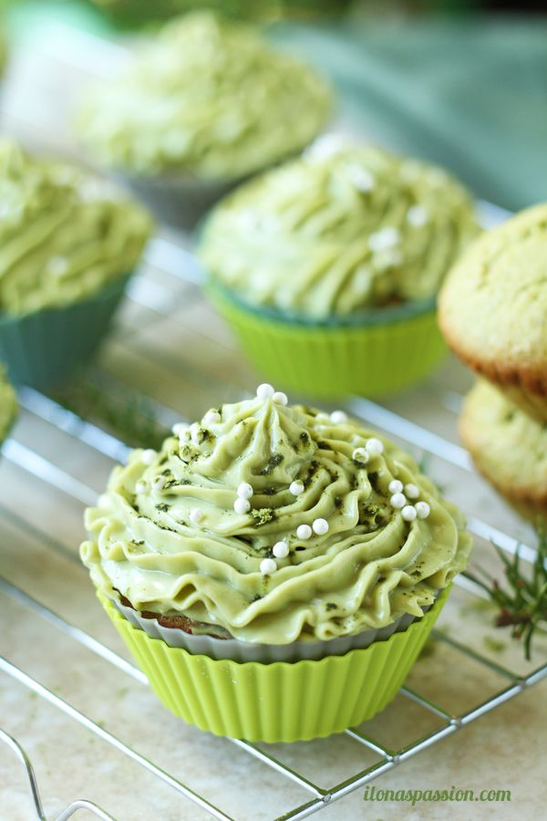 How To Make Green Frosting Without Food Coloring