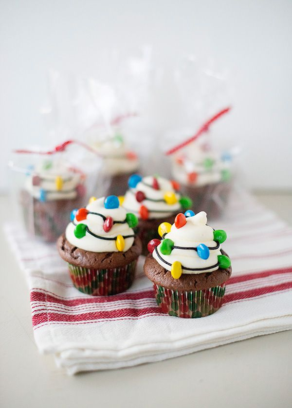 30+ Adorable Cupcakes to Bake for Christmas - Recipes for Christmas Cupcake Ideas