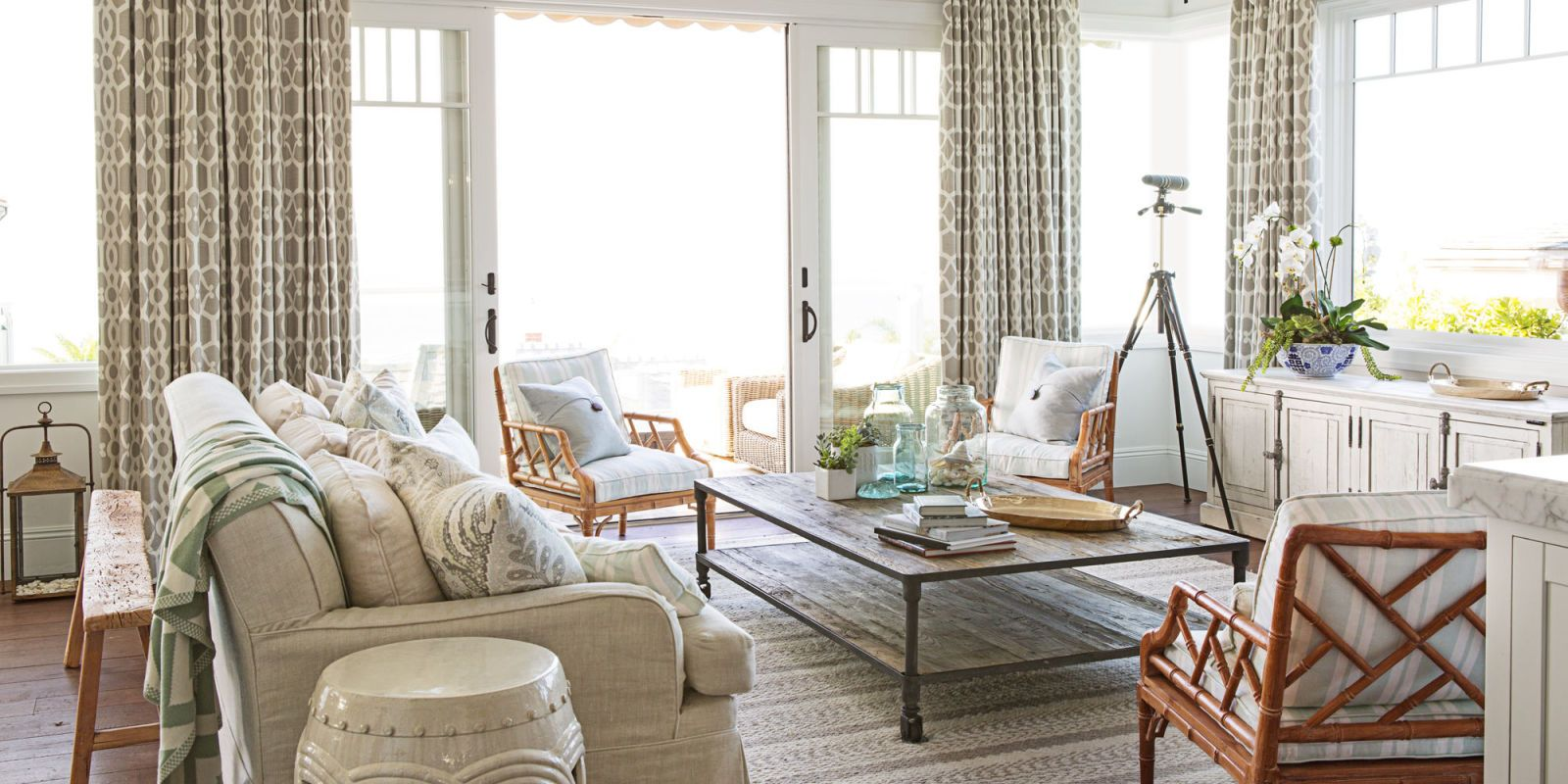 15 Family Room Decorating Ideas