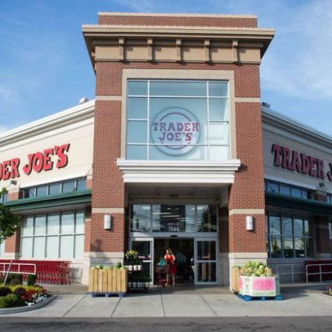 Building, Property, Real estate, Outlet store, Retail, Commercial building, City, Grocery store, Mixed-use, Plaza,
