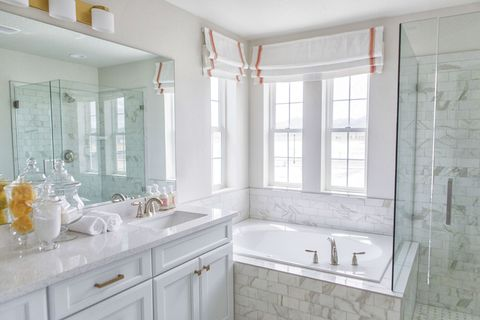 23 Bathroom Decorating Ideas Pictures Of Bathroom Decor