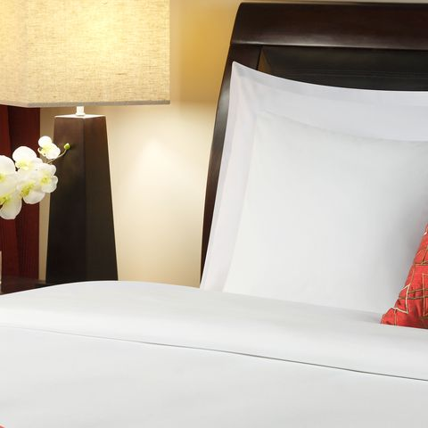 Four Points by Sheraton Cotton/Poly Blend 200 Thread Count
