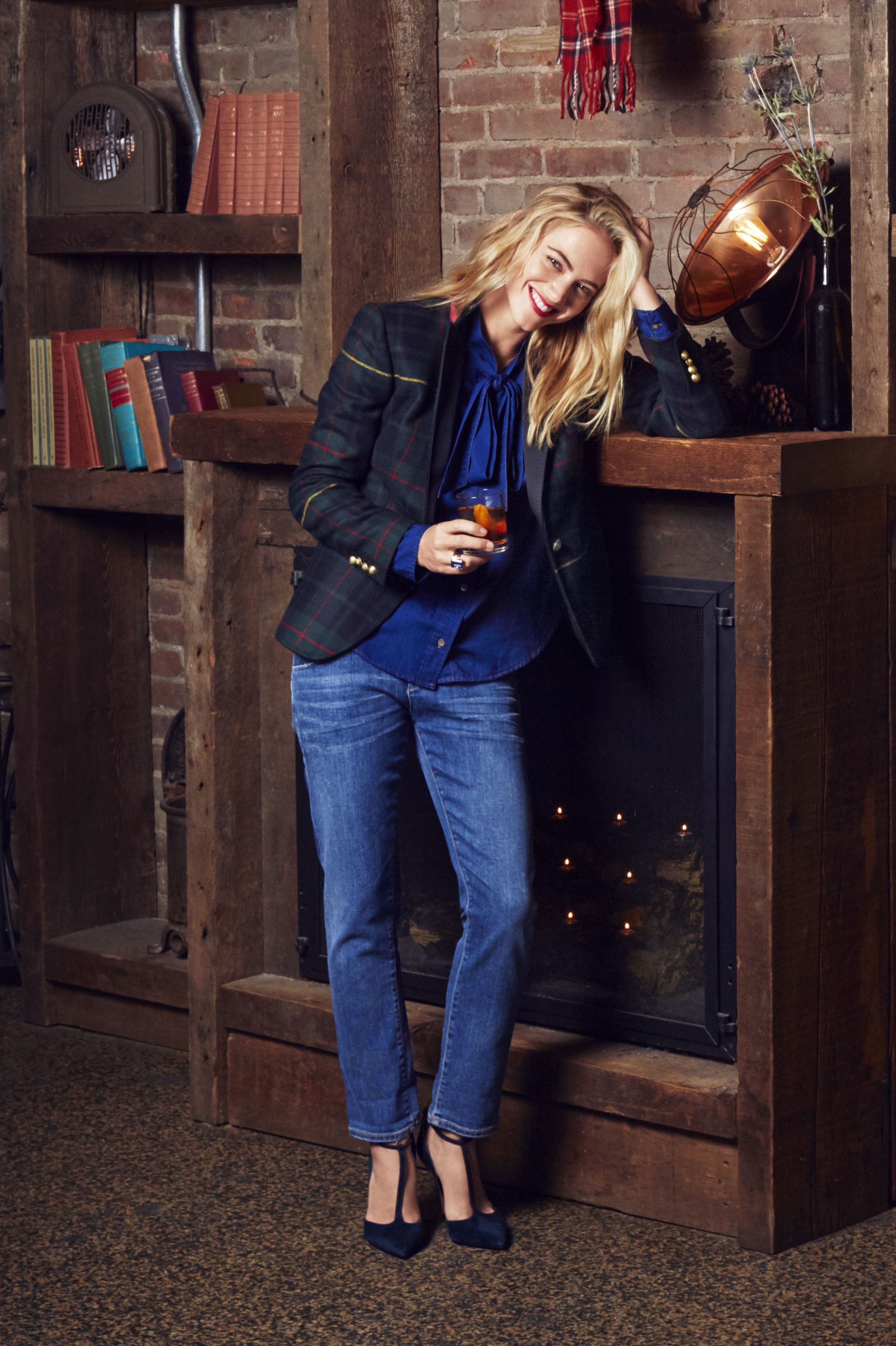 fc43009693 NCIS Star Emily Wickersham Models Winter 2016 s Biggest Style Must-Haves -  Winter Fashion 2016