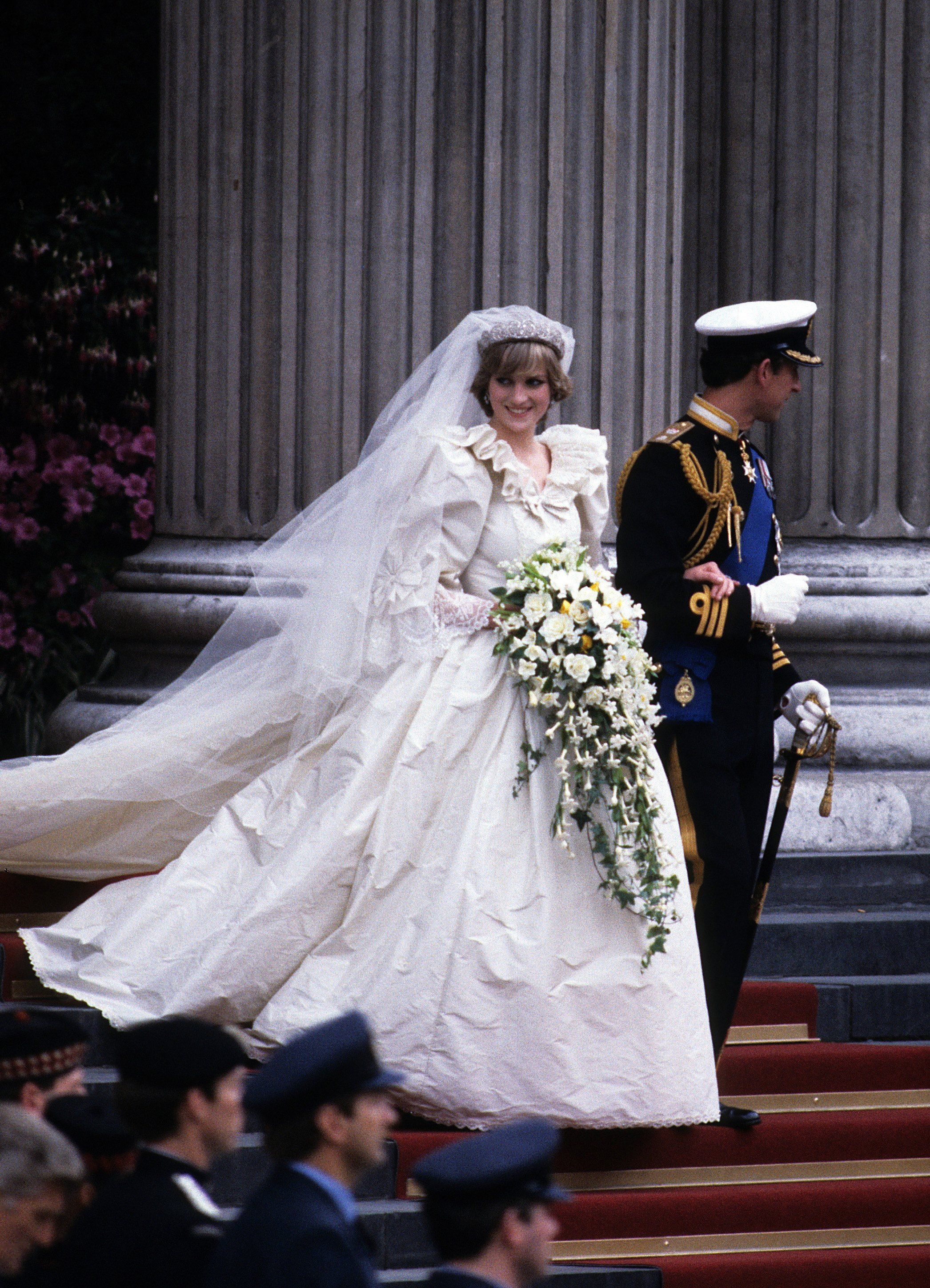 9 of the Most Expensive Celebrity Wedding Dresses Ever - Priciest ...