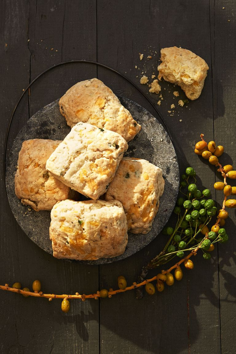 Fluffy Apple-Cheddar Biscuits