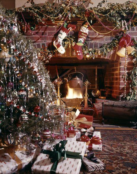 Lighting, Event, Christmas decoration, Interior design, Holiday, Interior design, Tradition, Christmas eve, Christmas ornament, Christmas,