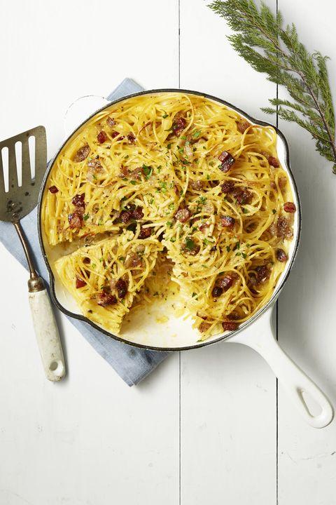easy egg recipes - spaghetti carbonara skillet pie