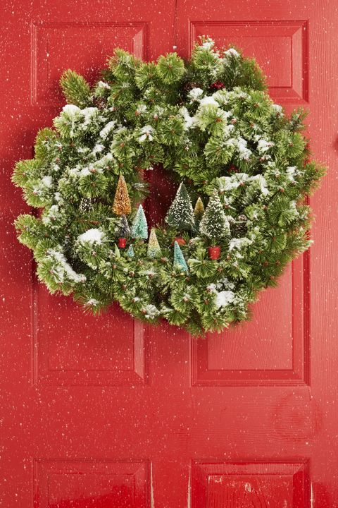 christmas wreaths - Christmas Gate Decoration Ideas