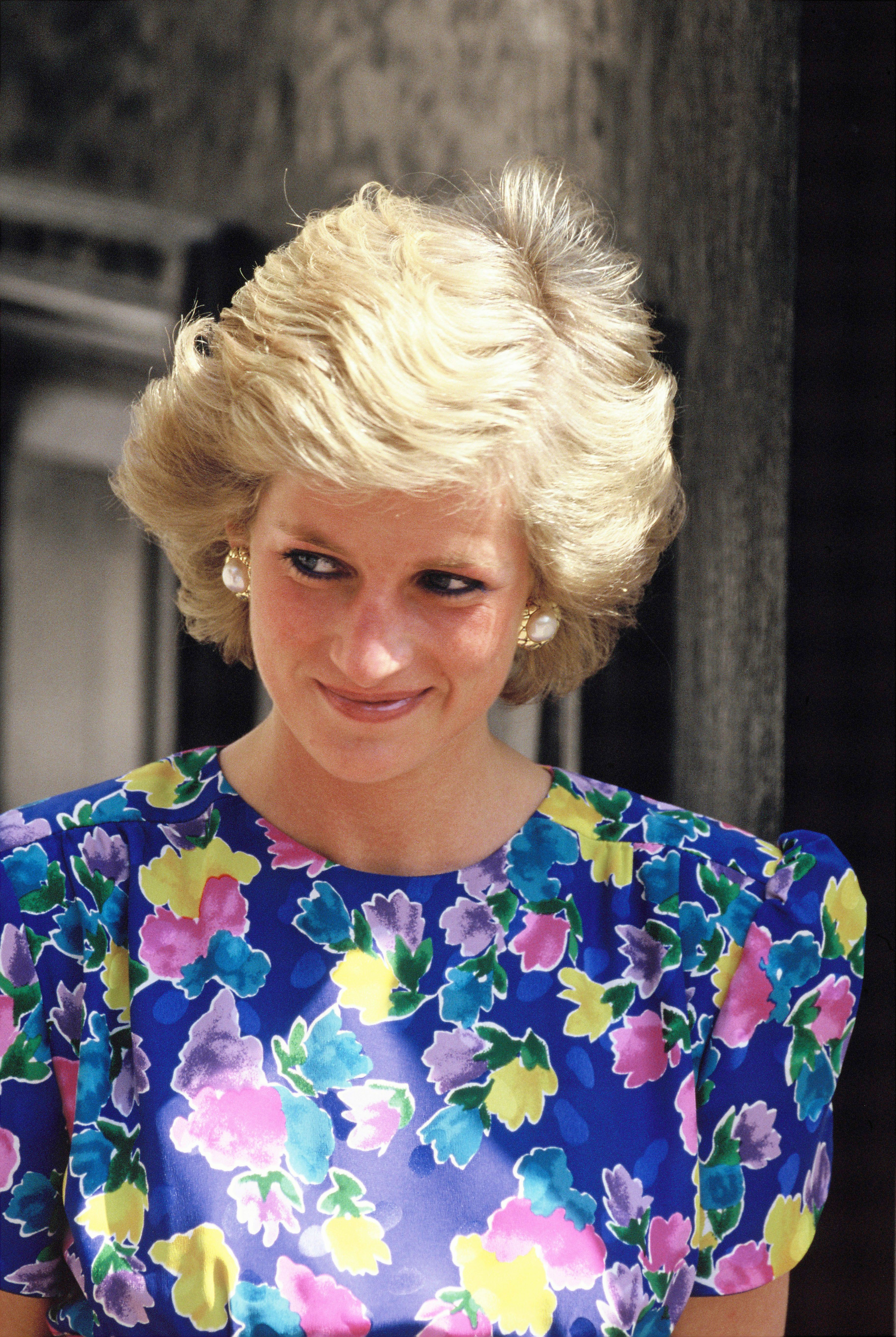 Princess Dianas Hair Though The Year Diana Princess Of Wales Style