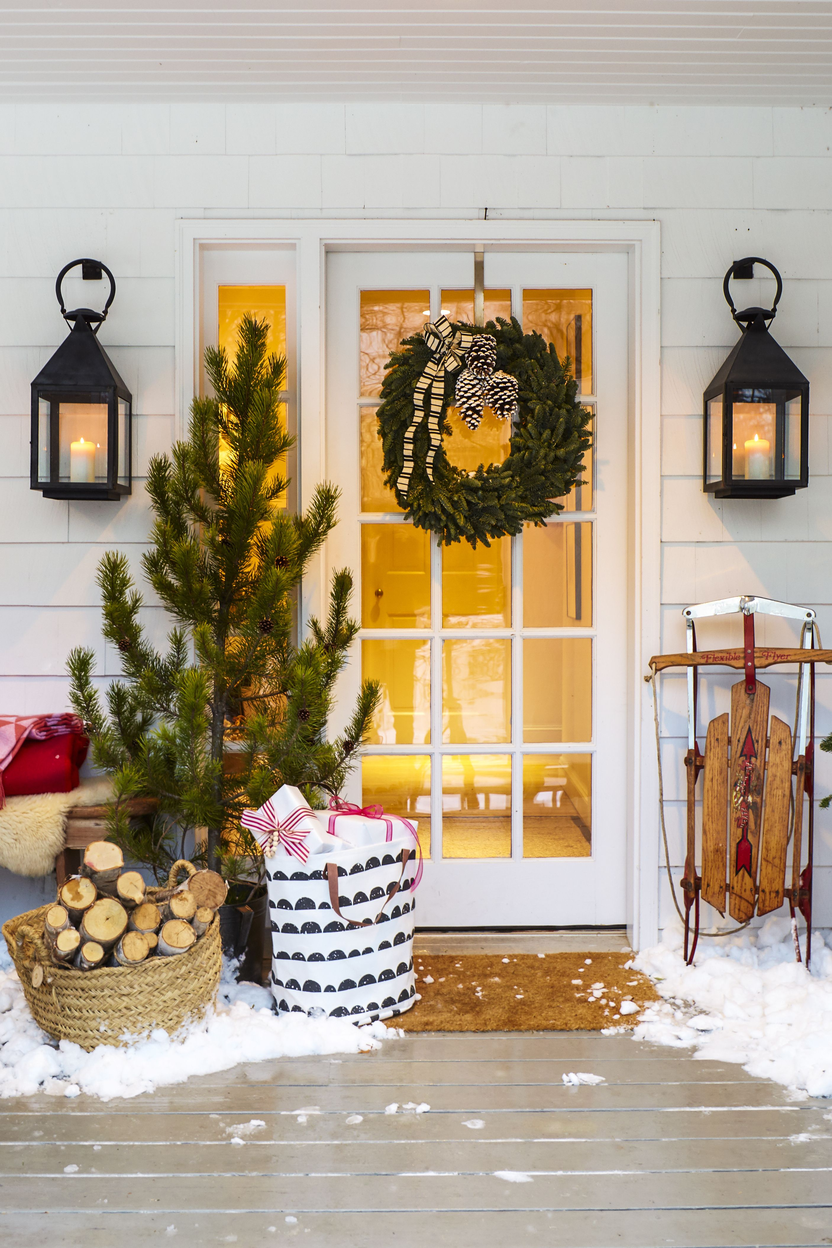 Christmas Tree Door Decoration - Christmas Decoration Ideas