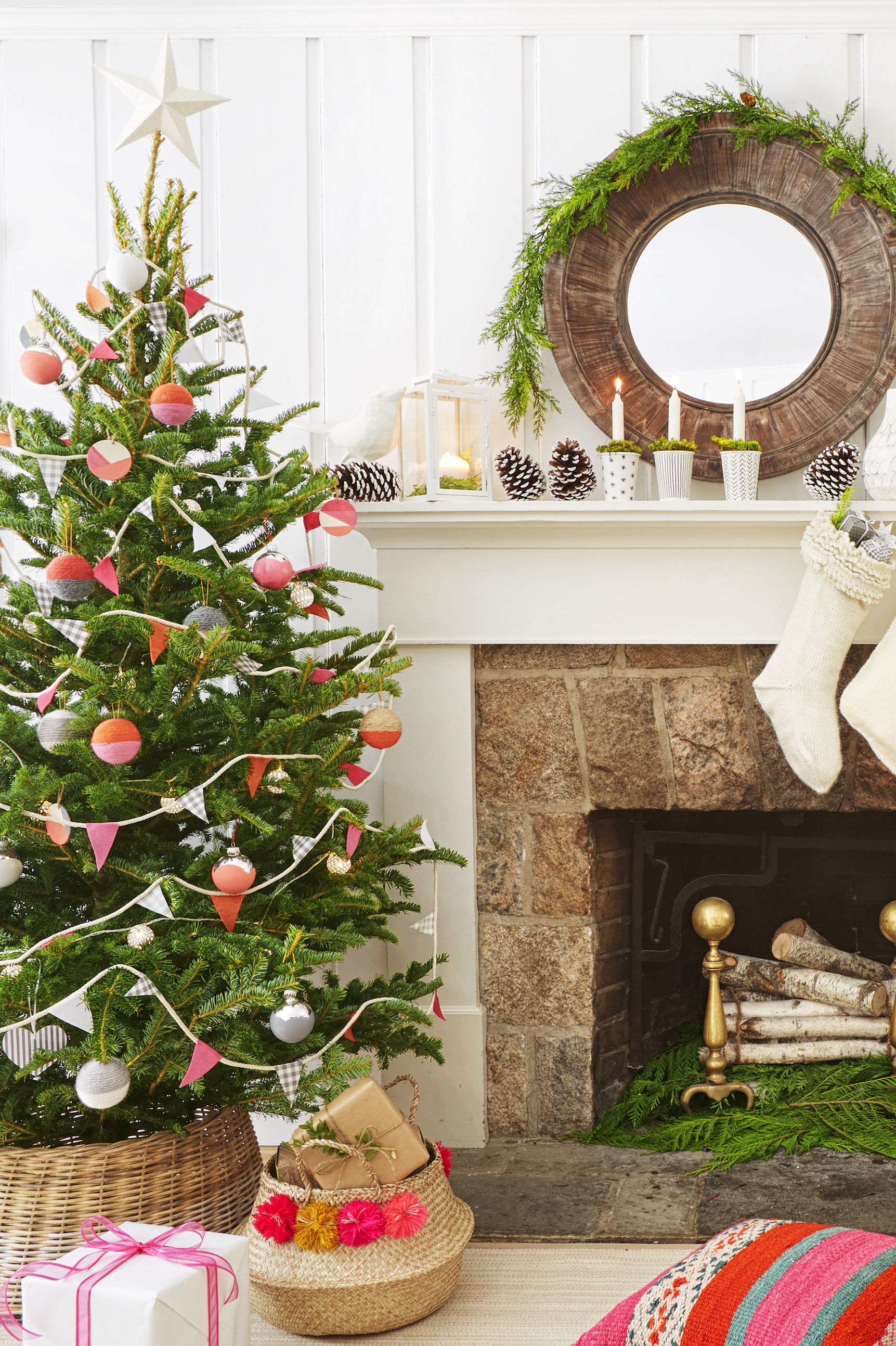 Living Room - Christmas Decoration Ideas