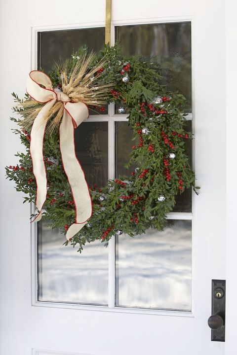 Christmas Door Decoration - Wheat Wreath