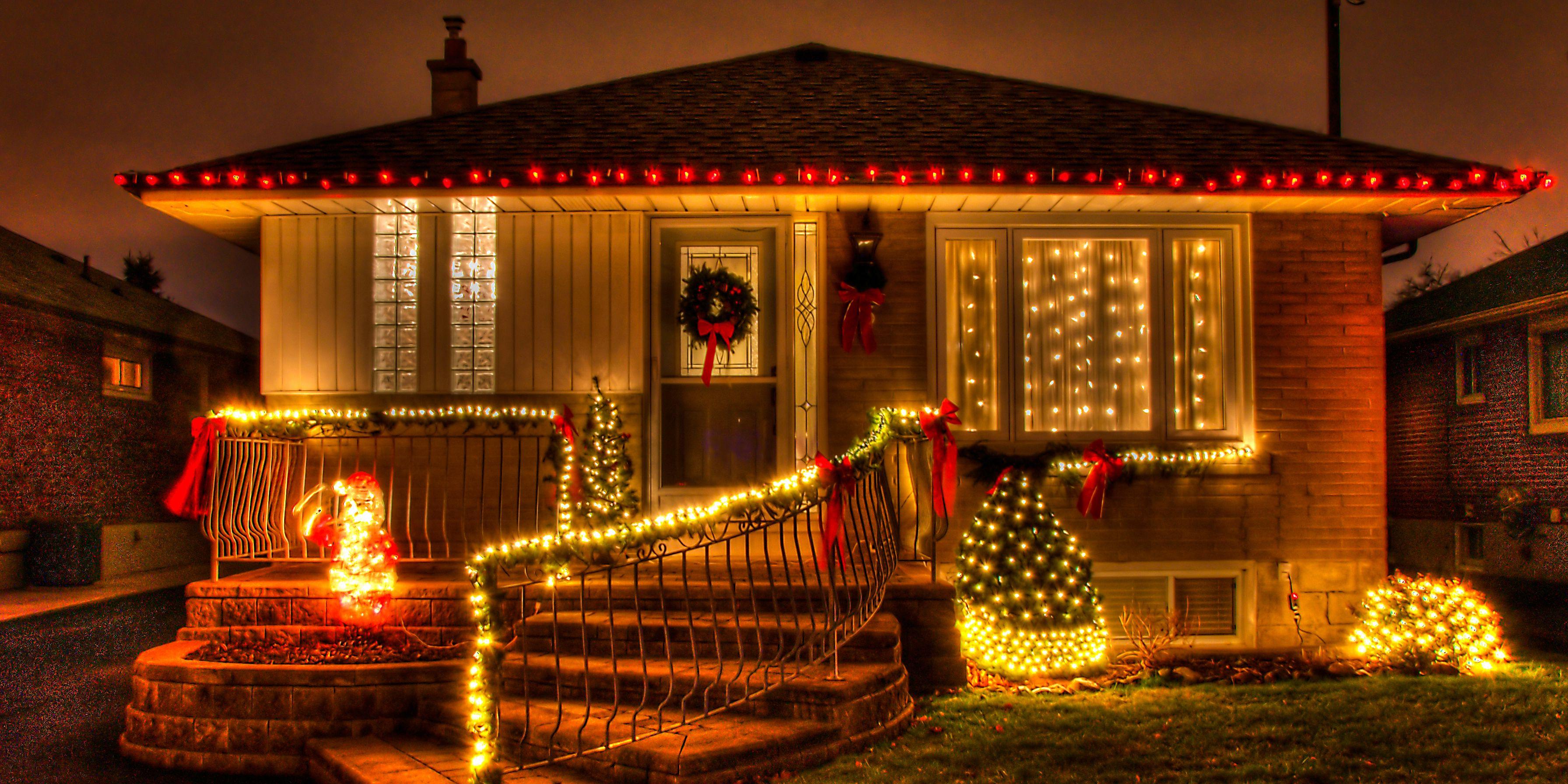 image & 20 Outdoor Christmas Light Decoration Ideas - Outside Christmas ...
