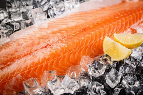 Orange, Citrus, Ingredient, Fruit, Seafood, Fish, Peach, Garnish, Citric acid, Fish,