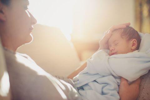 Cheek, Comfort, Skin, Baby sleeping, Child, Interaction, Baby & toddler clothing, Bedtime, Birth, Sleep,