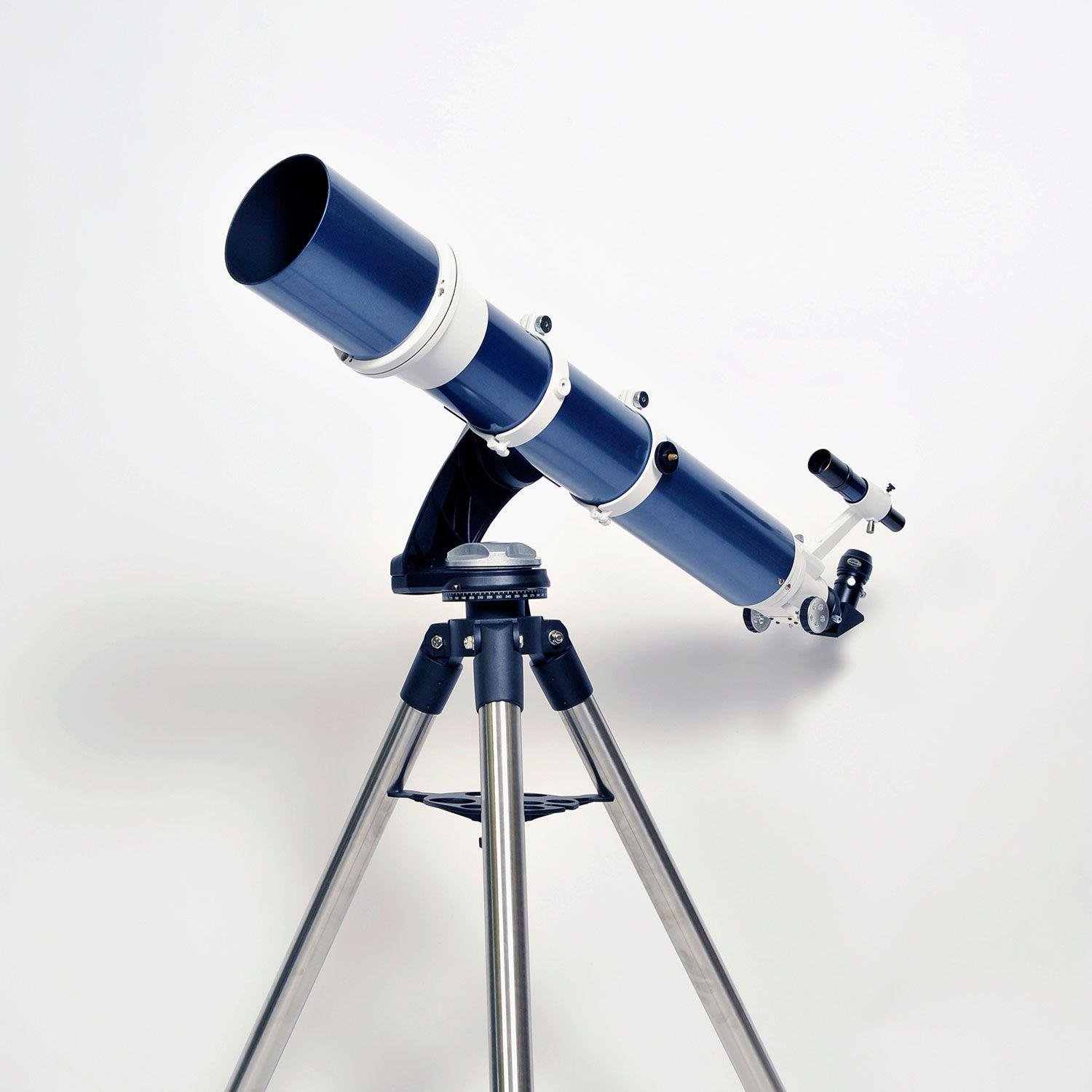 """<p>At night, the telescopes at<a href=""""https://lowell.edu/"""" target=""""_blank"""" data-tracking-id=""""recirc-text-link"""">Lowell Observatory</a> in Flagstaff are powerful enough to check in on faraway planets (Saturn, have you lost weight?) as well as star clusters. During the day, you can spot solar flares on the sun. ($6 to $12)</p>"""