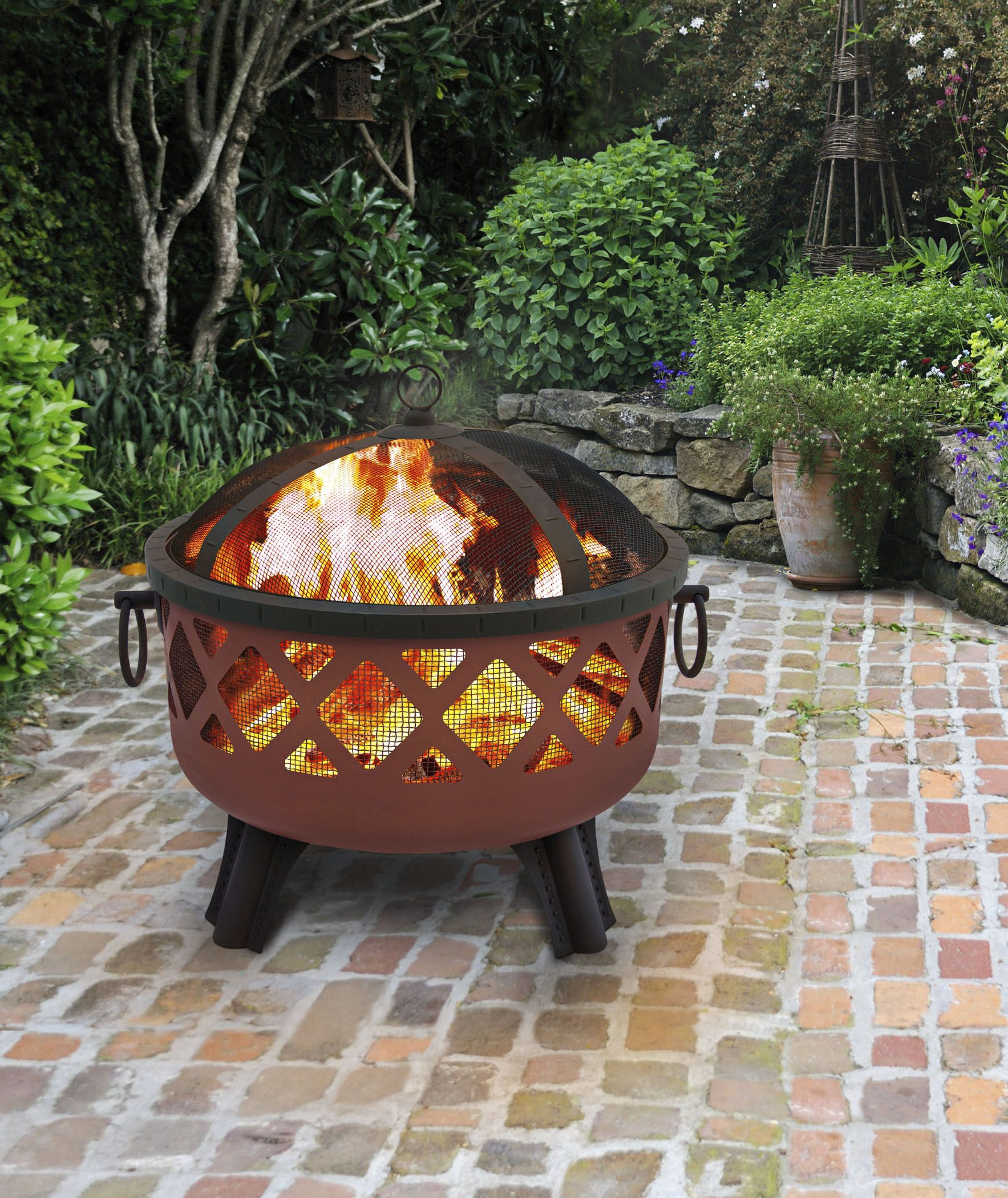 13 Best Outdoor Fire Pit Ideas To DIY Or Buy   Building Backyard Fire Pits