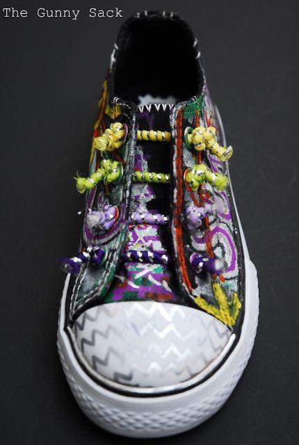 Footwear, Shoe, Sneakers, Athletic shoe, Fashion accessory,