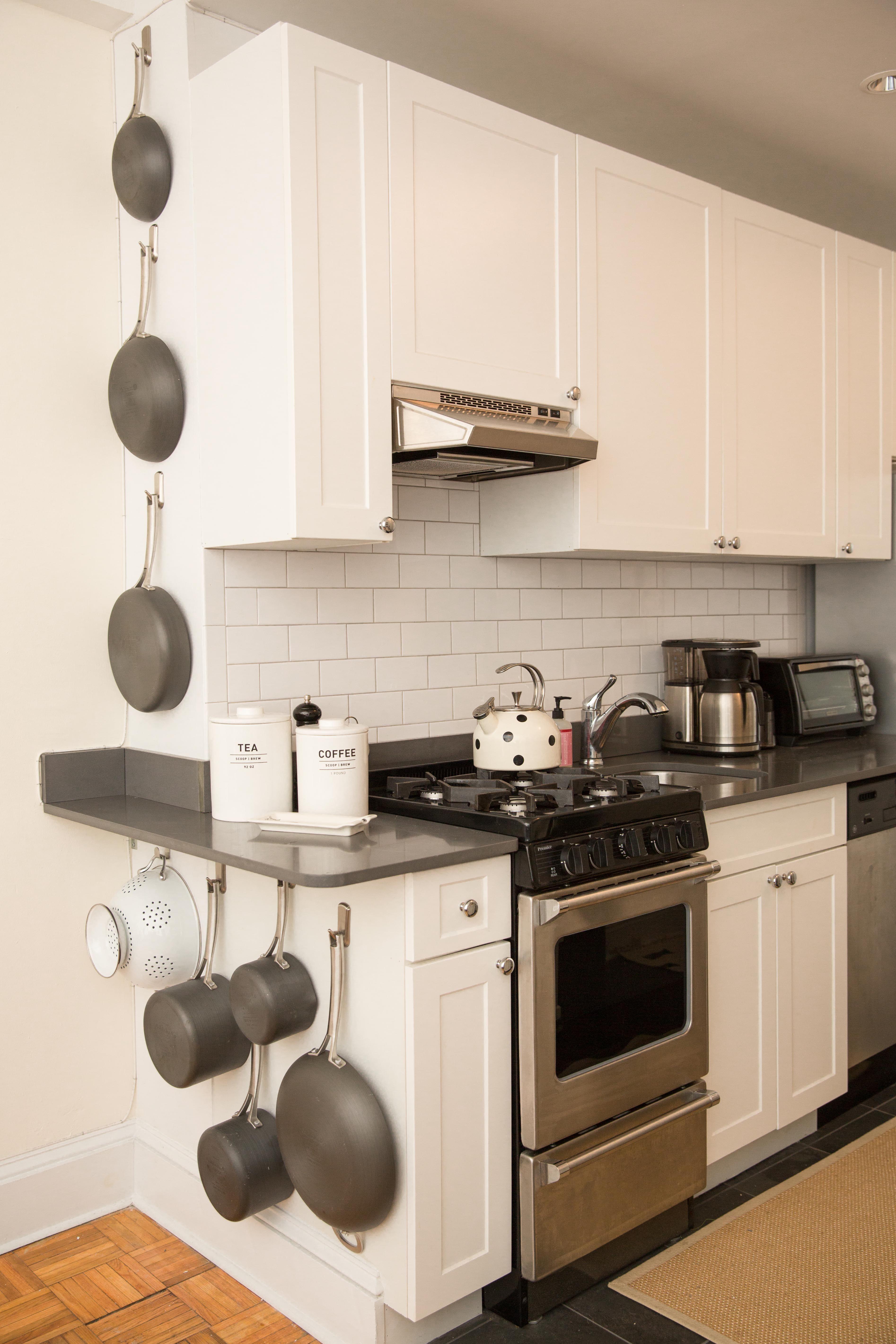 12 small kitchen design ideas tiny kitchen decorating rh goodhousekeeping com