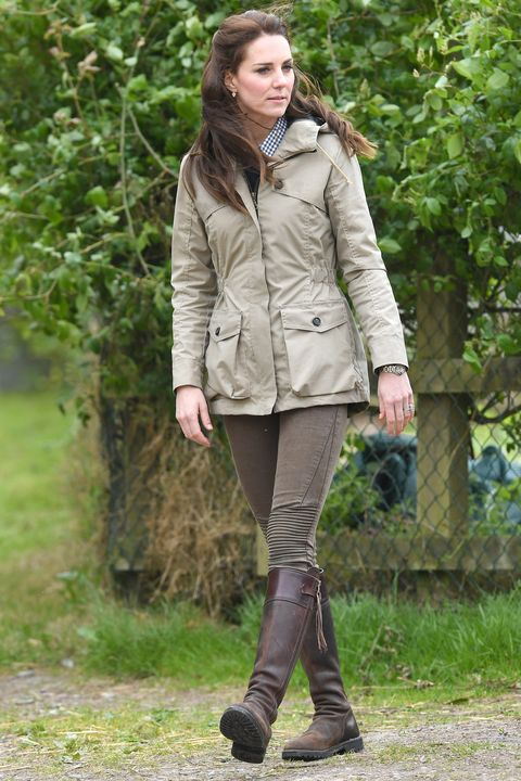 3452d20749e2 Kate Middleton re-wearing Zara pants and boots.