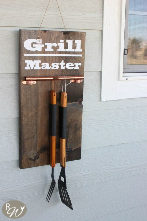 Grill Master Hanging Display - DIY Father's Day Gifts