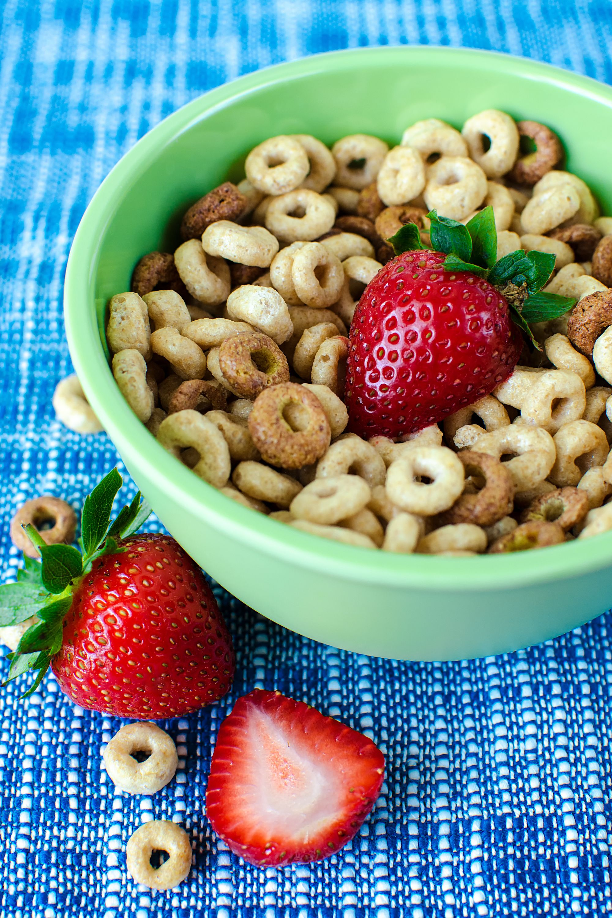 cheerios and fruit