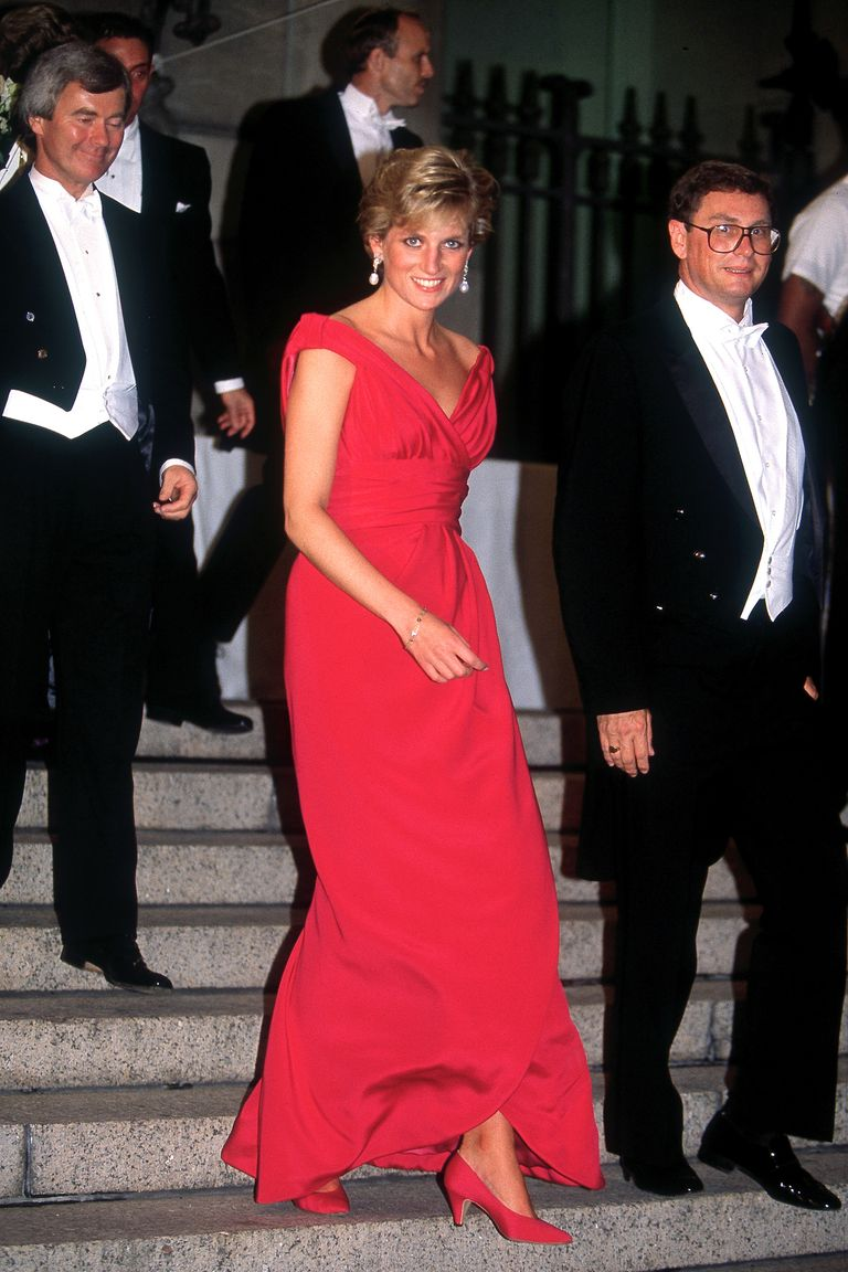 Princess Diana S 40 Best Dresses Royal Family Fashion