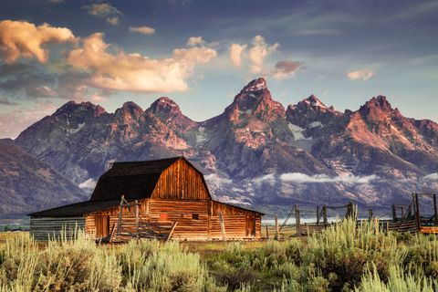 Natural landscape, Mountain, Mountainous landforms, Nature, Sky, Cloud, Mountain range, Wilderness, Barn, Landscape,