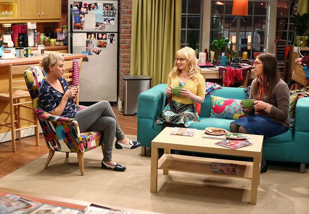 The One Thing You Never Noticed About Penny S Apartment From Bang Theory Set Easter Eggs