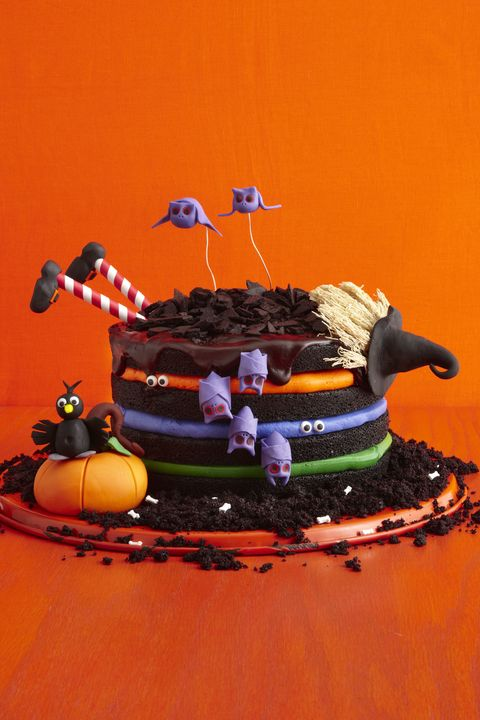 30 Spooky Halloween Cakes