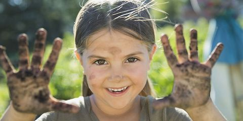 Hair, Skin, Hairstyle, Smile, Forehead, Child, Hand, Gesture, Finger, Tree,
