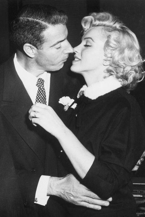 Marilyn Monroe épouse Joe Dimaggio