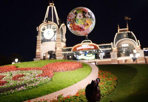 Landmark, Night, Architecture, World, Plant, Tourism, House, Tourist attraction, Sphere,