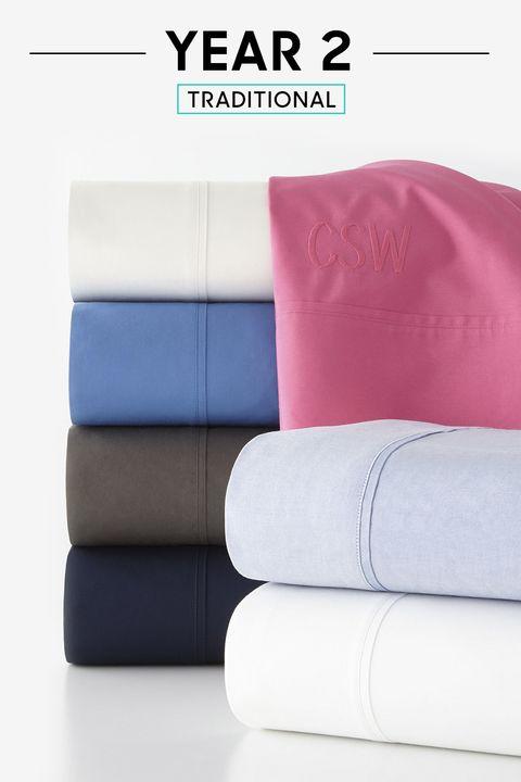 Cushion, Rectangle, Throw pillow, Material property, Pillow, Futon, studio couch, Velvet,